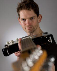 Stuart Bahn guitarist